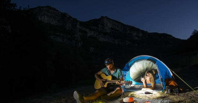 2-day canoe/kayak descent of the Gorges de l'Ardèche with overnight stay at a bivouac