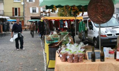 - marché saint cirgues en montagne