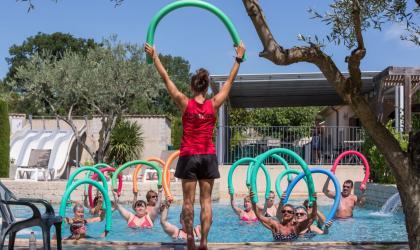 ©yelloh Village la Plaine - animation piscine