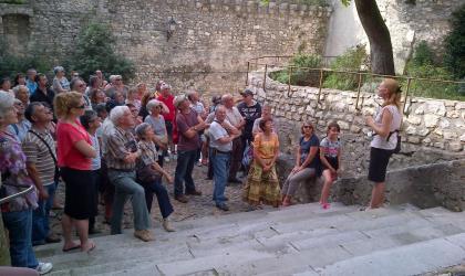 OTI DRAGA - groupe en visite