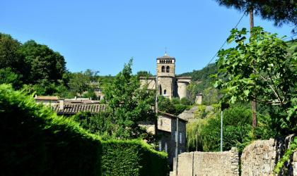 Fête du village et brocante_wikipédia_Toutaitanous 2 - Fête du village et brocante_le village_Vion