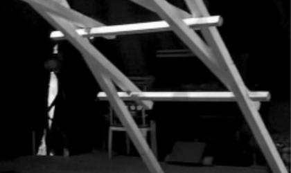 Association du village documentaire - Cirque autoporté - 128 kg de mélèze à Lussas