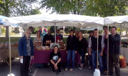 - Un brin de marché_Saint Donat