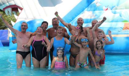 ©Camping Les Issoux - Groupe piscine
