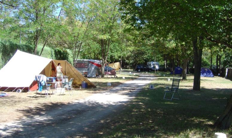 J-M.Binard - hebergement - campingrochecondrie - viviers