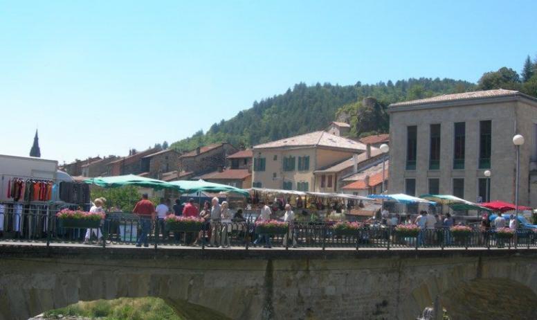 OTI Aubenas-Vals Graziella BLANCHARD - Marché de Vals les Bains