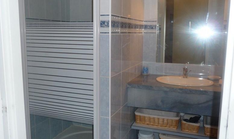 poli - salle de bain