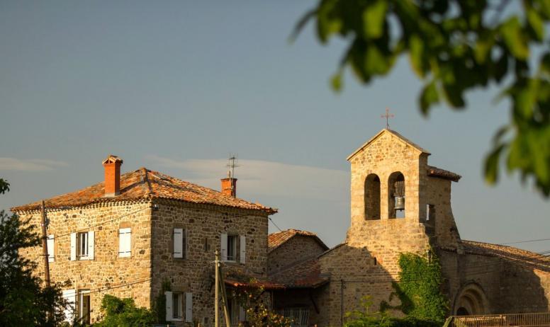 ©S.BUGNON - Saint-Cirgues-de-Prades - L'église romane-2-zoom église©S.BUGNON