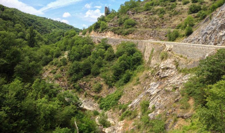 © CN-ADT07 - Gorges de l'Ay au niveau de la tour d'Oriol