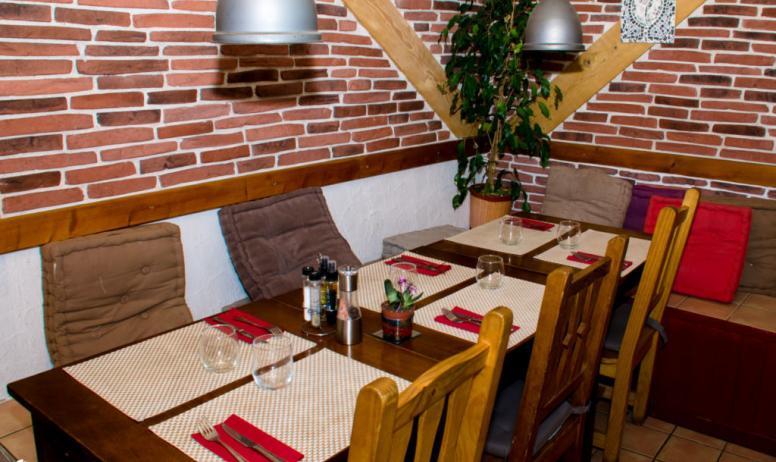 © Pierre Brunel - La salle de restaurant
