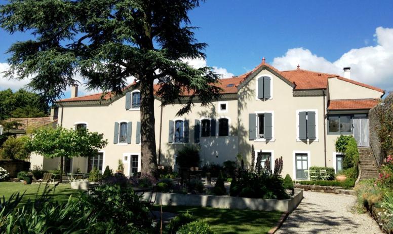 © La Villa des Charmilles - La maison vue du parc