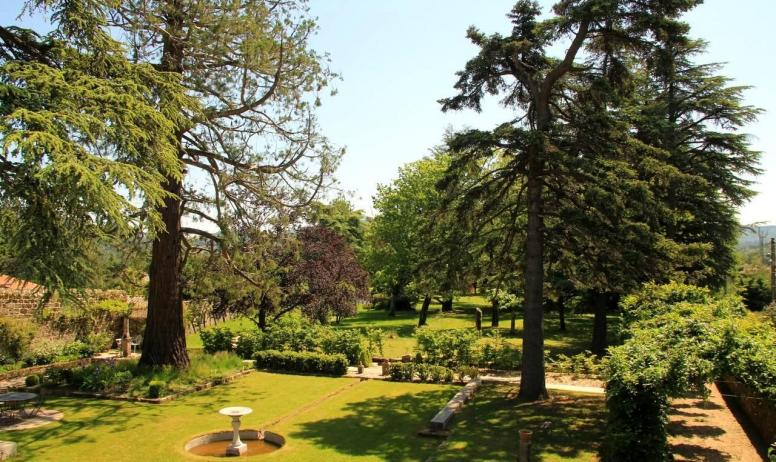 © La Villa des Charmilles - Le vaste parc paysagé