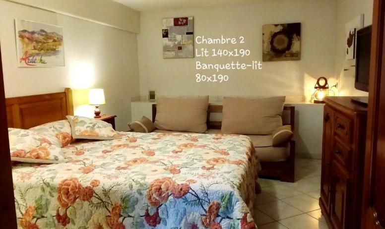 Clévacances - Chambre 2 lit en 140 x 190Banquette-lit 80 x 190:  Télévision Rajout d'un lit bébé possible