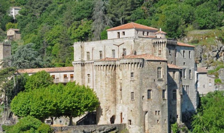 Castle of Largentière : not visitable castles in Ardèche ...