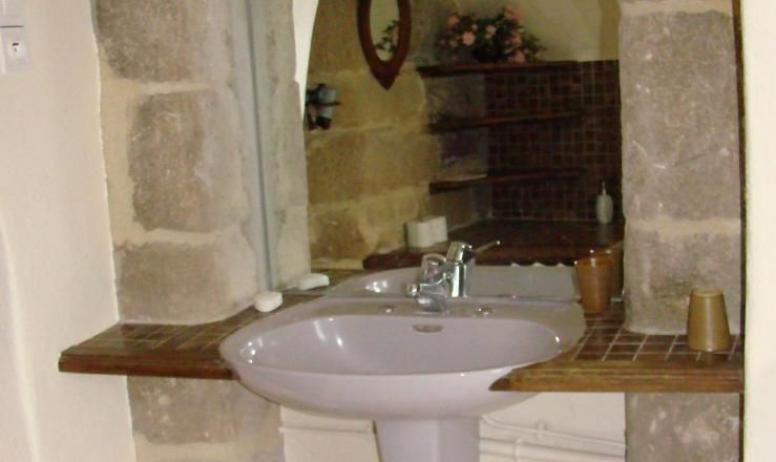 Gîtes de France - Suite du Prieur : Salle de bain