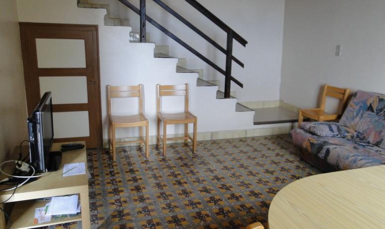 Mairie - séjour et escalier
