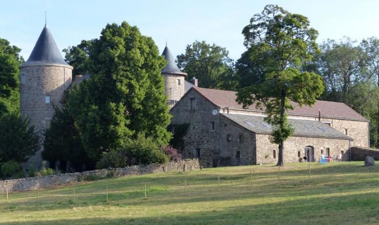 Gîtes de France - Gite adossé au chateau de Claviere
