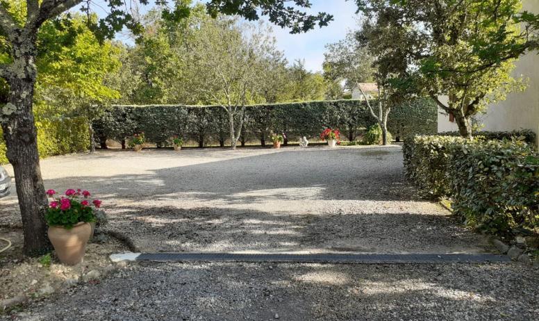 Gîtes de France - parking pour les 2 gîtes