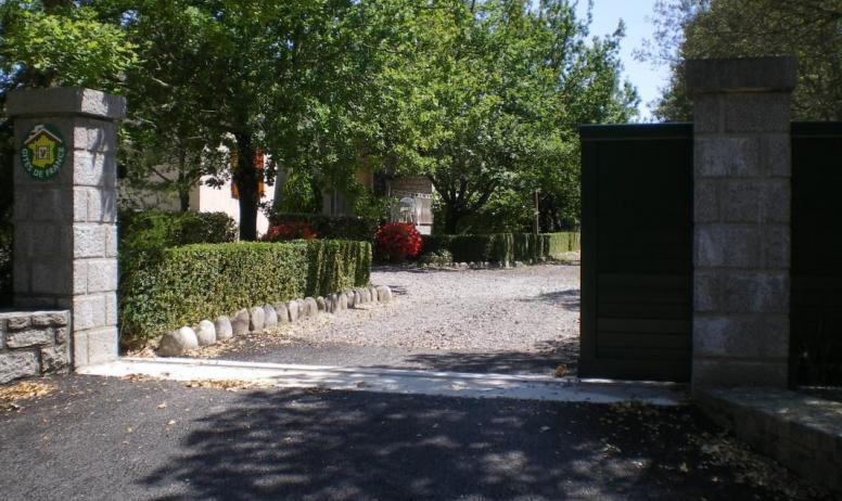 Gîtes de France - Entrée privée aux 2 gîtes - terrain clos -
