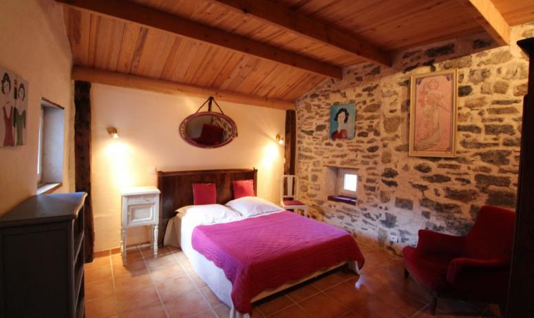 Gîtes de France - Chambre avec un lit en 140 cm X 190 cm