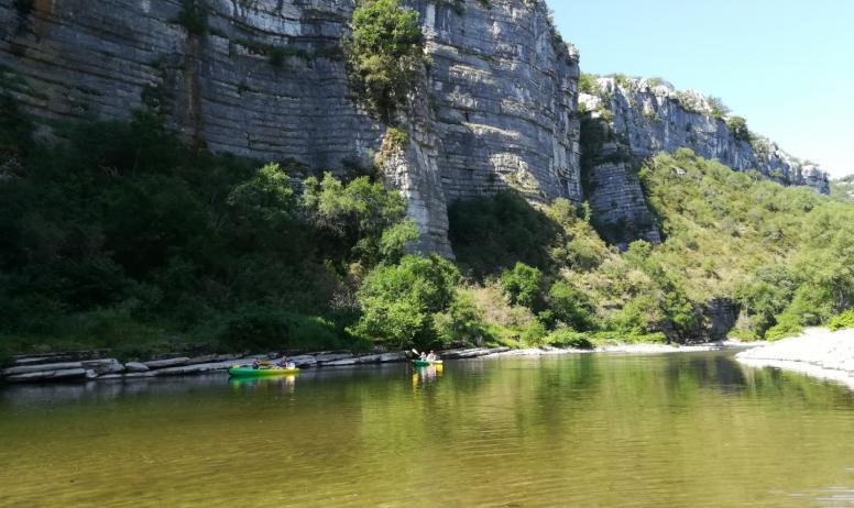 M.Brioude - Canoe dans les gorges du Chassezac
