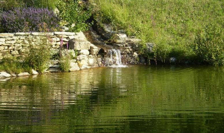 Gîtes de France - cascade détente, baignade naturelle