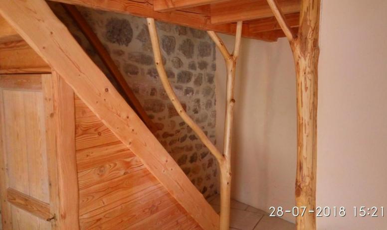Gîtes de France - Escalier vue de la deuxième entrée