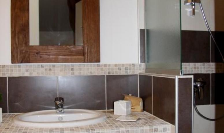 "Gîtes de France - Salle de bain de la chambre ""Cocon"""