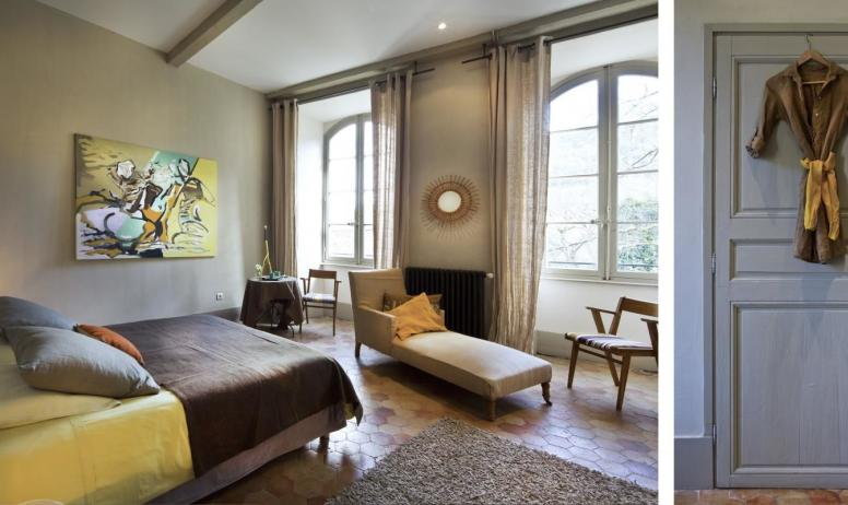 """Gîtes de France - Au Château d'Uzer, la  suite familiale """"Céleste"""", belle suite de deux chambres (45m2), au 1er étage d'une aile séparée du château."""