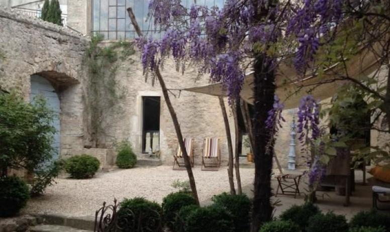 Gîtes de France - Au Château d'Uzer, en toute saison, au printemps par exemple...