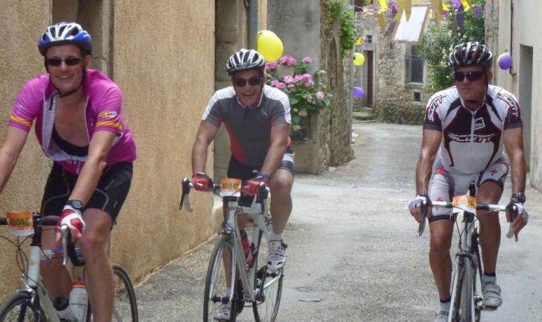 Gîtes de France - Au Château d'Uzer, l'accueil cycliste, pour l'Ardèchoise notamment !