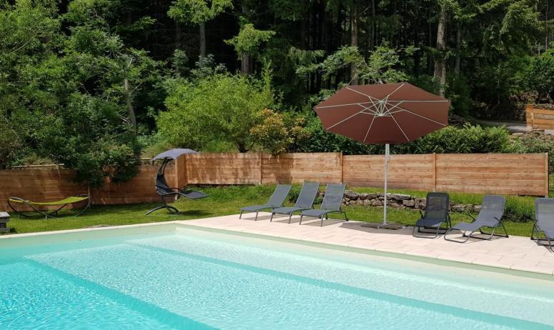 Gîtes de France - Piscine chauffée commune 10m x 5m