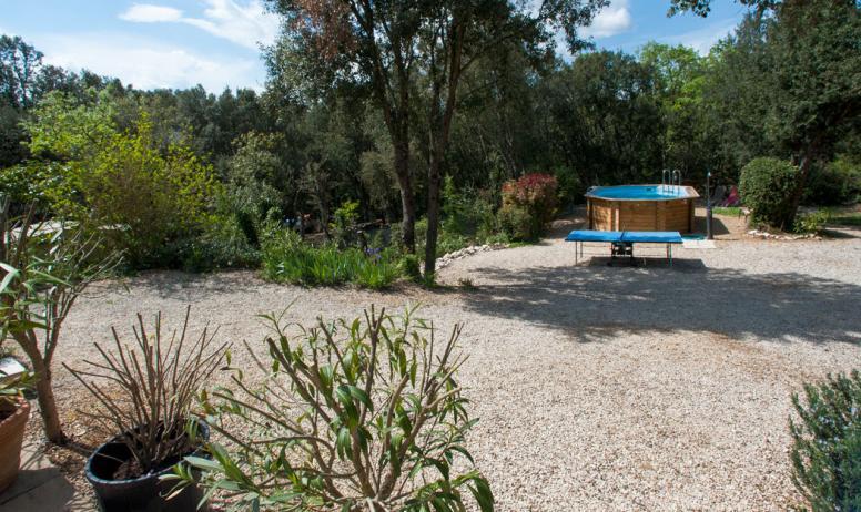 Fransje Spiljard - vue jardin piscine
