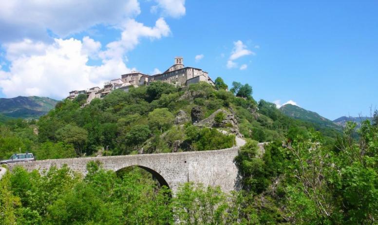 - Le Pont sur la Volane