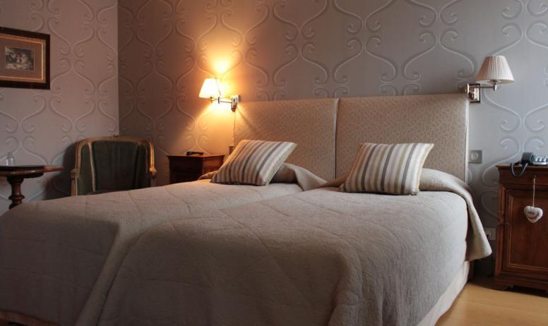 AH Tourisme - Hotel restaurant Chartron_Saint Donat