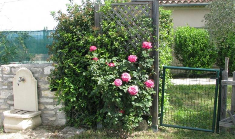 Gîtes de France - Au-delà du portillon, votre jardin privé