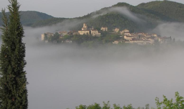 Gîtes de France - Vue sur le village de Saint-Thomé depuis la Bastide