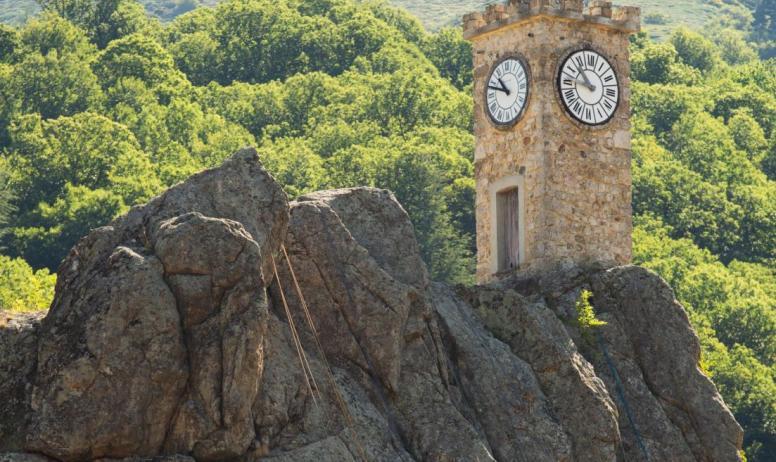 ©S.BUGNON - 2019 - Burzet - Escalade à la tour de l'horloge