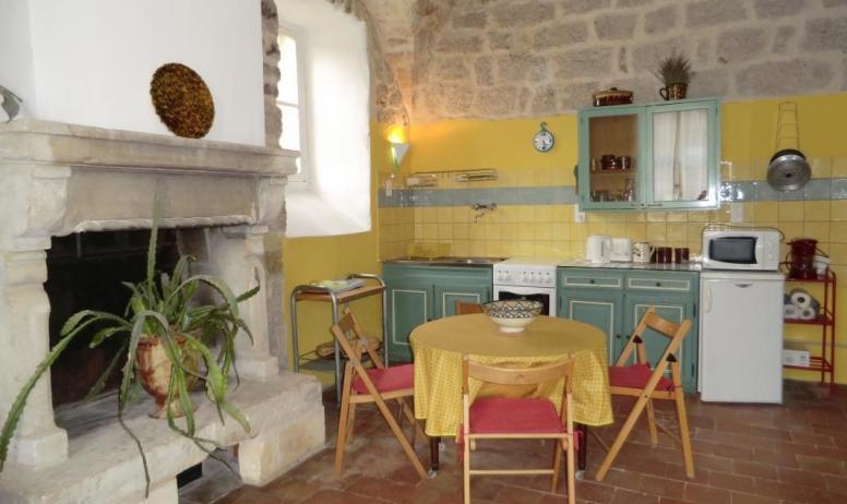 Gîtes de France - Cuisine ouverte sur le salon