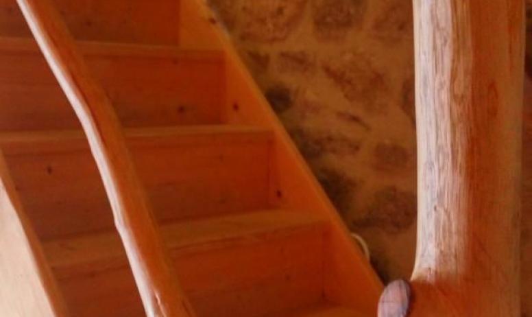 Gîtes de France - vue de l'escalier depuis la douche du bas de la partie Oratoire