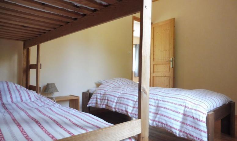© Les Blaches - La chambre triple dans le petit appartement