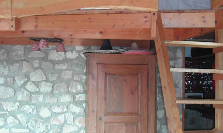 - Une belle mezzanine en bois