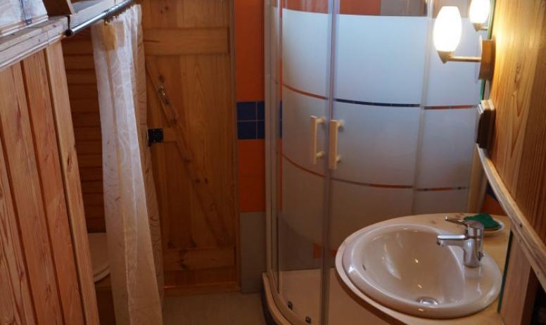 Salle d'eau cabane