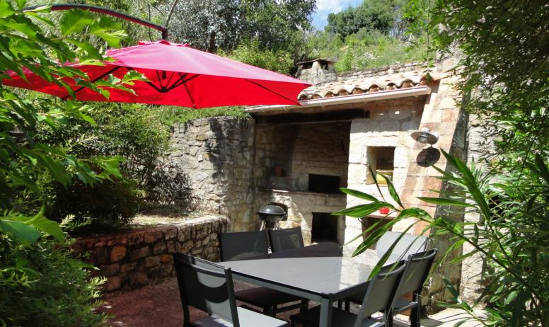 Mas de sarjac vue piscine holiday rentals in ard che for Piscine meaning in english