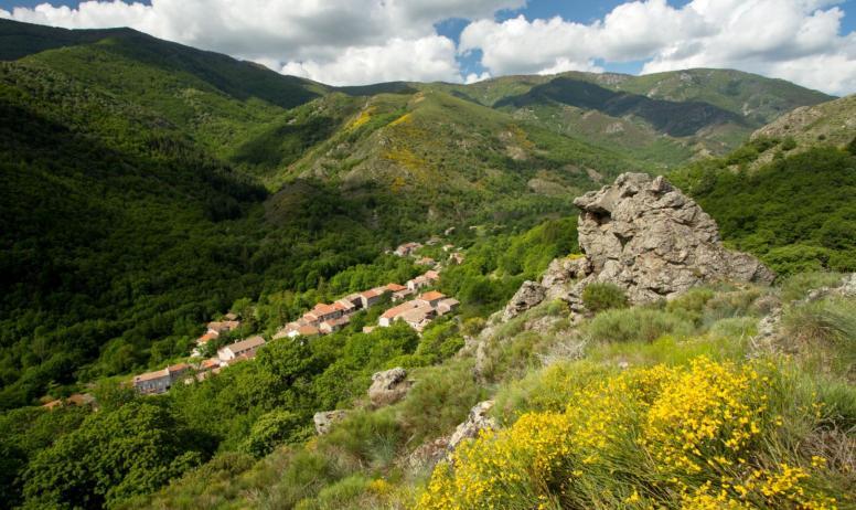 ©S.BUGNON - Mayres - Le village-3 ©S.BUGNON