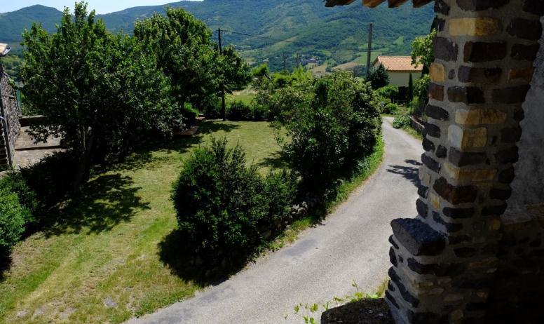 Gîtes de France - vue depuis la terrasse sur votre jardin