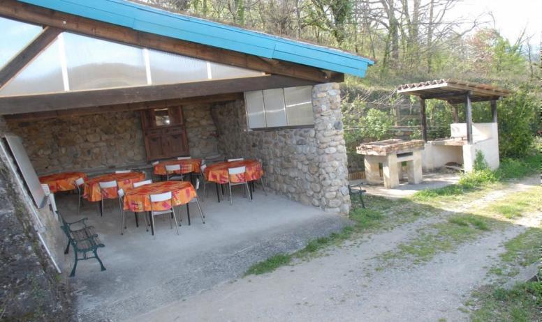 Gîtes de France - Terrasse couverte, grand barbecue
