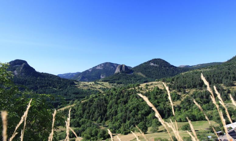 Massif central randonnées - Sommet des volcaniques - GR7