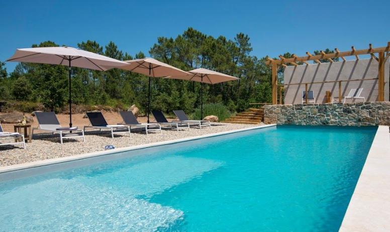M. Dupont - S. Vigouroux - Gite l'olive Alphonse piscine commune