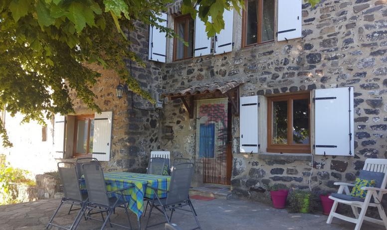 SAS des vieux rochers - Gite les Bourriaux à St Pons - Terrasse